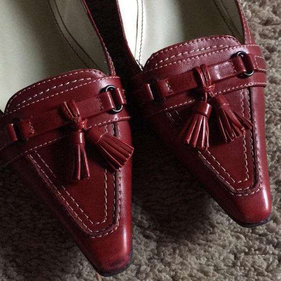 6941bc4a82e Anne Klein Shoes - AK ANNE KLEIN BURGUNDY RED KITTEN HEELS SIZE 6.5